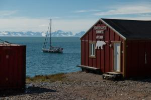 04082018_Greenland_Caves_Project_EAGRE18-RM-R.Shone-059