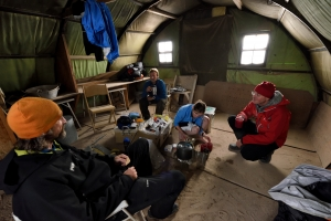 The team decide to rest the night in the old US army Nissen hut